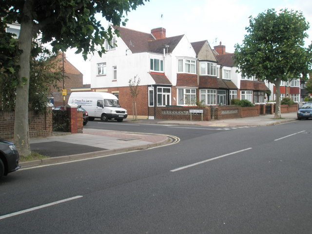 Looking from Kirby Road across to Lyndhurst Road