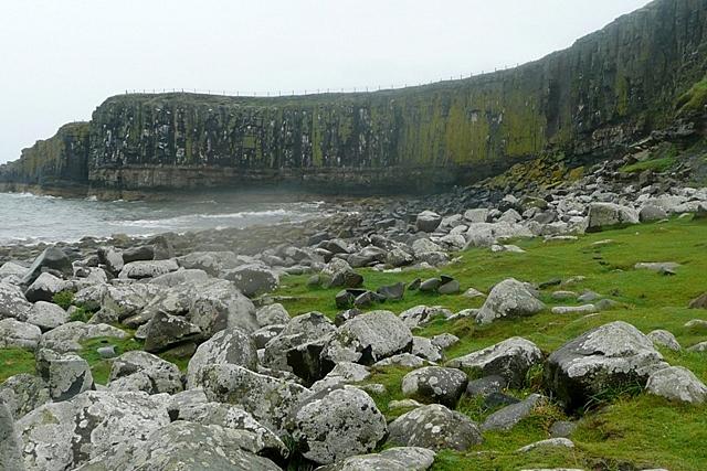 Dunstanburgh Castle northern defences