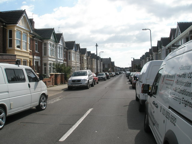 Looking southwards down Chelmsford Road towards Kirby Road