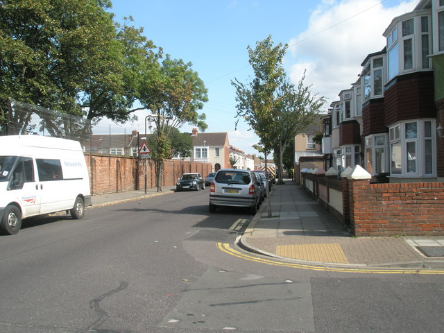 Junction of Mayfield Road and Chelmsford Road