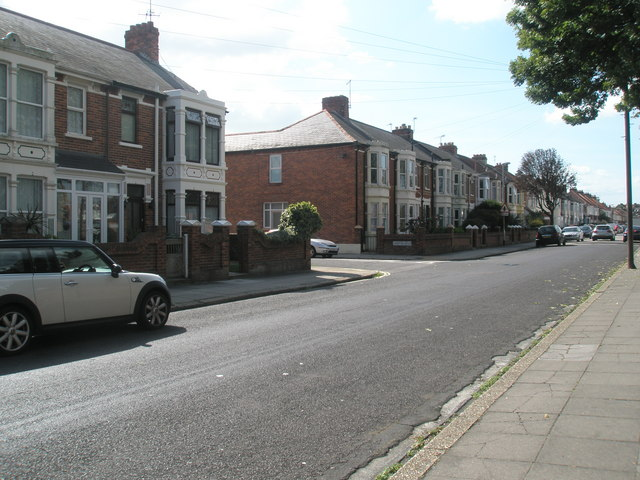 Approaching the junction  of Mayfield Road and Crofton Road