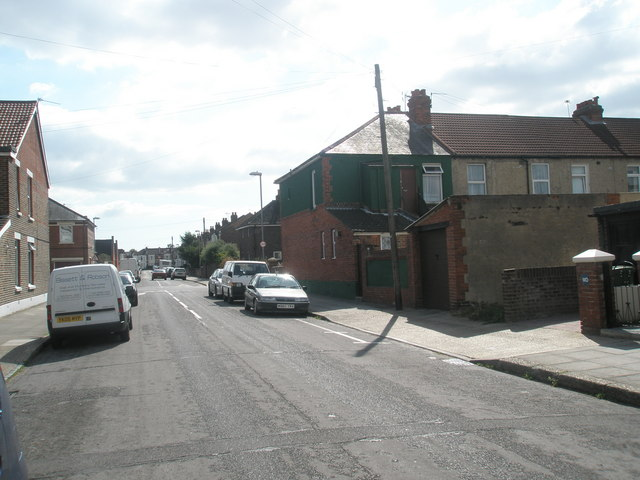 Approaching the crossroads  of Kirby Road and Crofton Road