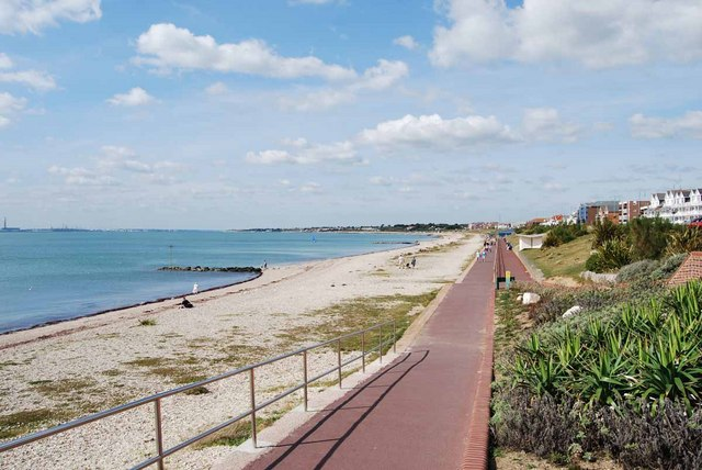 Lee-on-the-Solent - promenade and beach (2009)