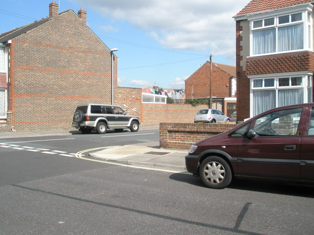 Junction of  Randolph Road and Compton Road