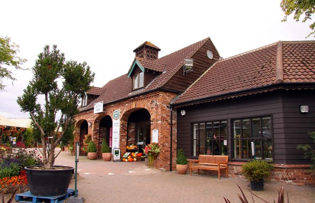 Frosts garden centre in woburn sands steve daniels cc by for Woburn showcase
