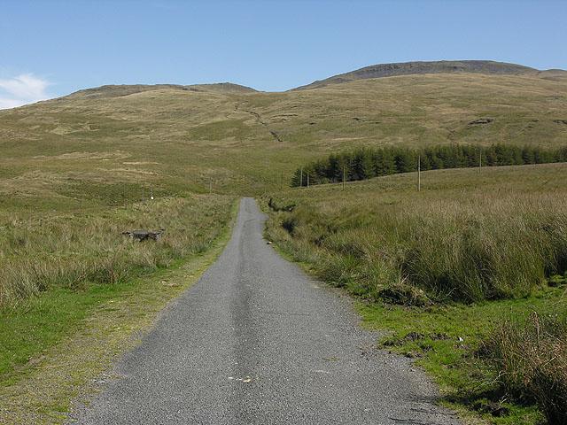 Minor road alongside Nant-y-moch reservoir