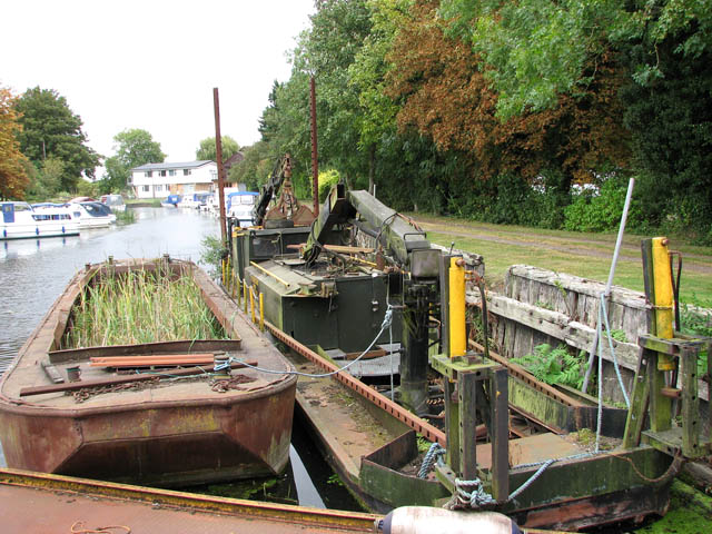 A dredger and a mud-pan