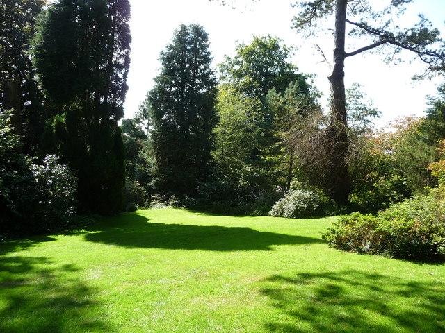Mid Devon : Knightshayes Courtyard