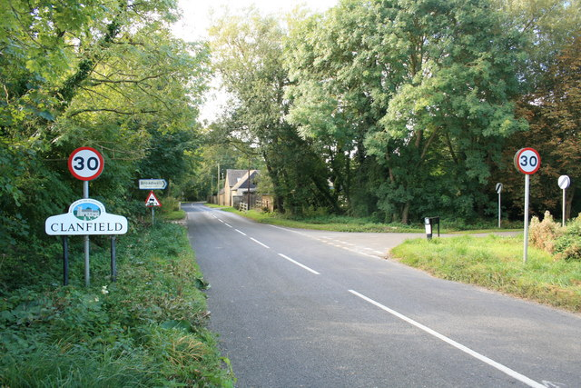 Entering Clanfield from the north