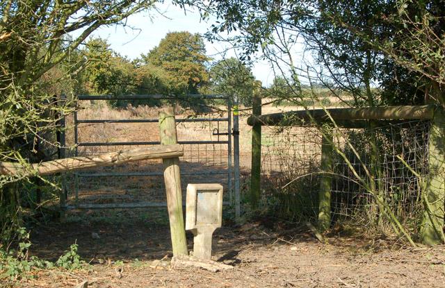 Valley Farm to Kites Hardwick bridleway (4)