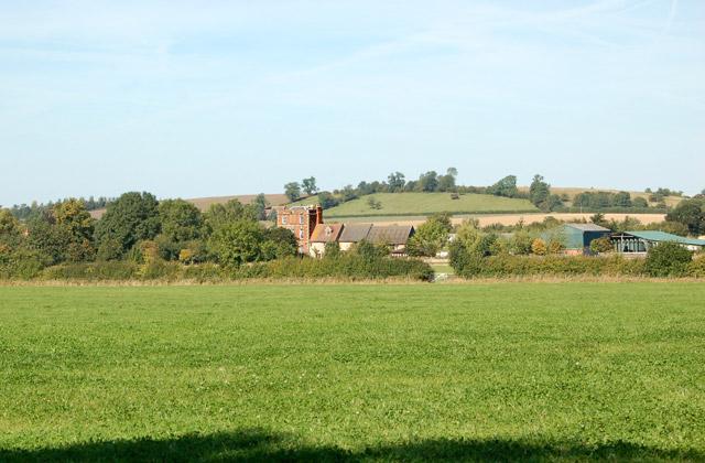 Valley Farm to Kites Hardwick bridleway (14)