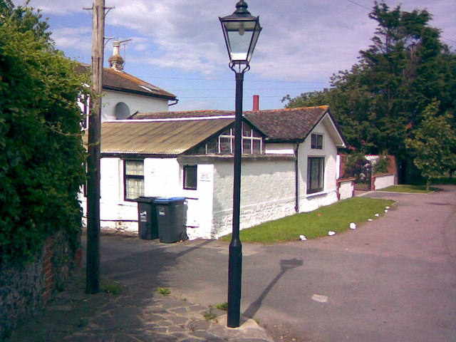 Victorian gas lantern, this time on a private road