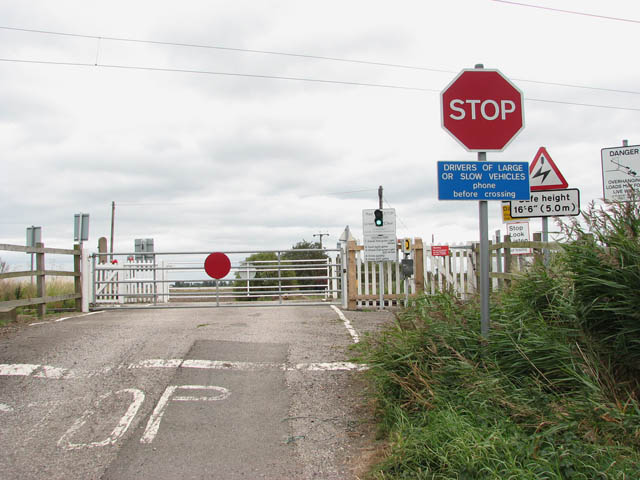 Level crossing on Black Horse Drove