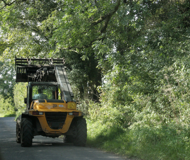 2009 : JCB on Yellingmill Lane