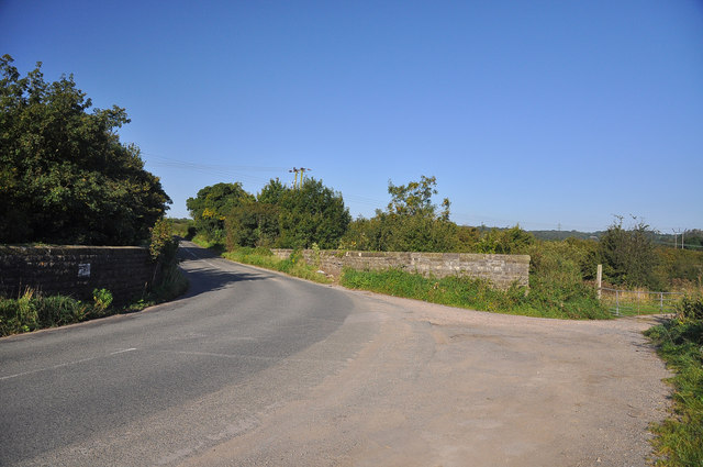 Sharp bend in the road - St Andrews Major