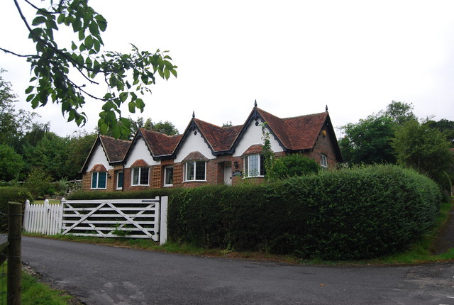 Pembury Hall Lodge, Pembury Hall Rd