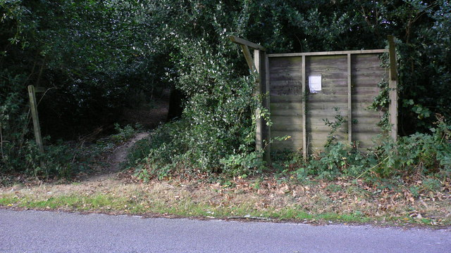 Tatty old bus shelter on King's Drive near Easebourne