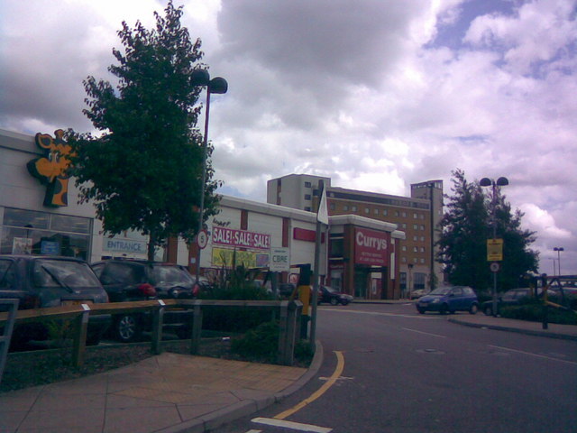 Entrance to Toys R Us and Currys retail park
