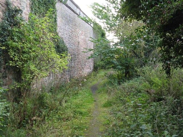 Footpath around Grove Farm