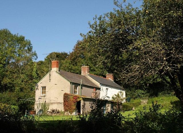 Farm cottages at South Allington