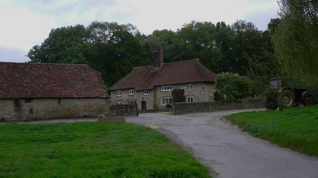 Dawes Farm on the A286 near Henley