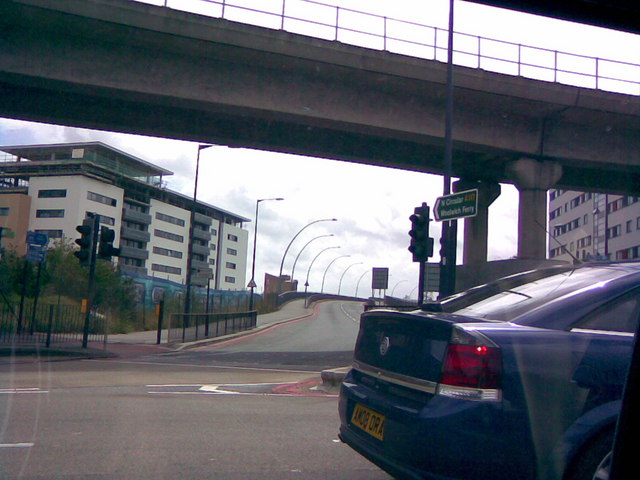 Entrance to Sir Steve Redgrave Bridge