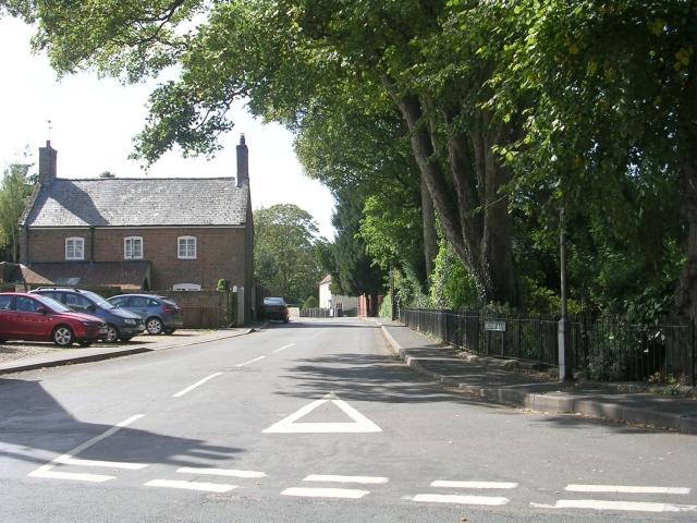 Broad Lane - High Street