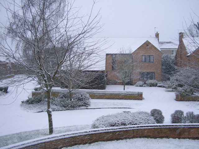 A snowy morning on an estate in Oakham
