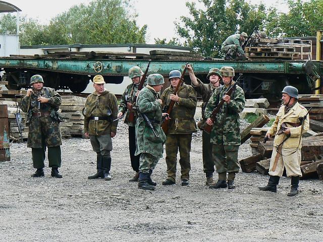 Wartime Weekend 2009 (12), Blunsdon Station