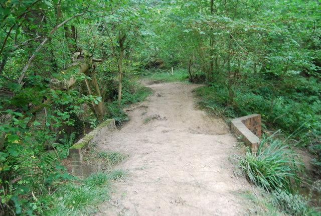 Tunbridge Wells Circular Path crosses a small stream in Snipe Wood