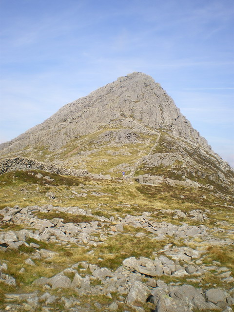 Dry stone wall on Bwlch Tryfan