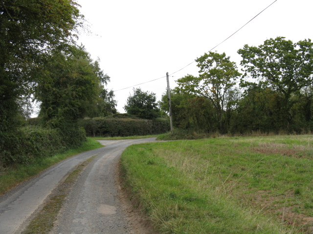 Approaching Aulden Crossroads