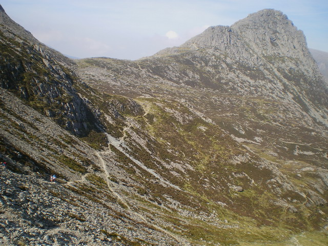 The Miners' Track and the headwall of Cwm Tryfan