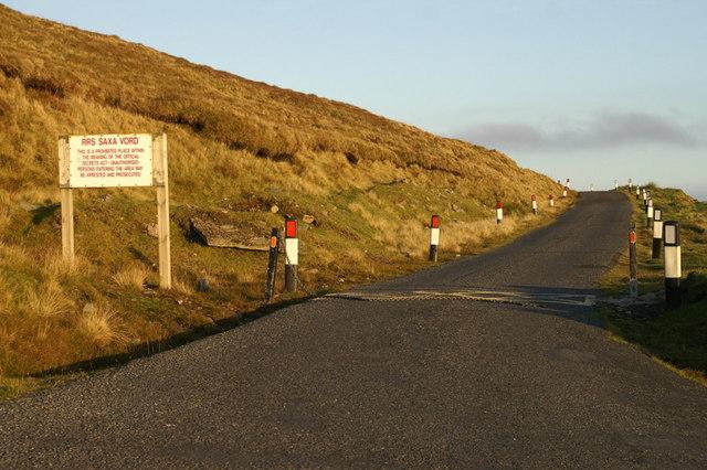 Access road to the Saxa Vord radome