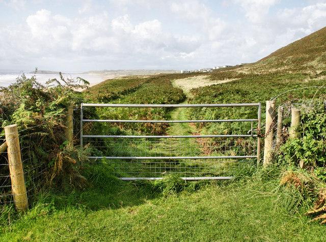 Farm Gate near Hillend
