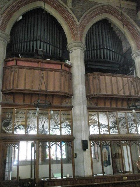 The organ at St James, Milton