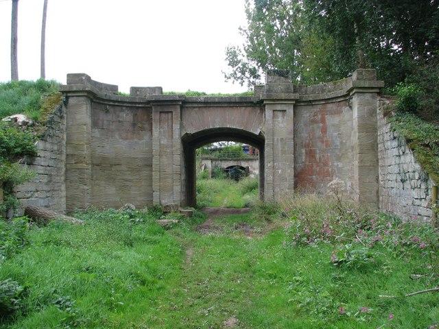 The disused aqueduct at Nynehead