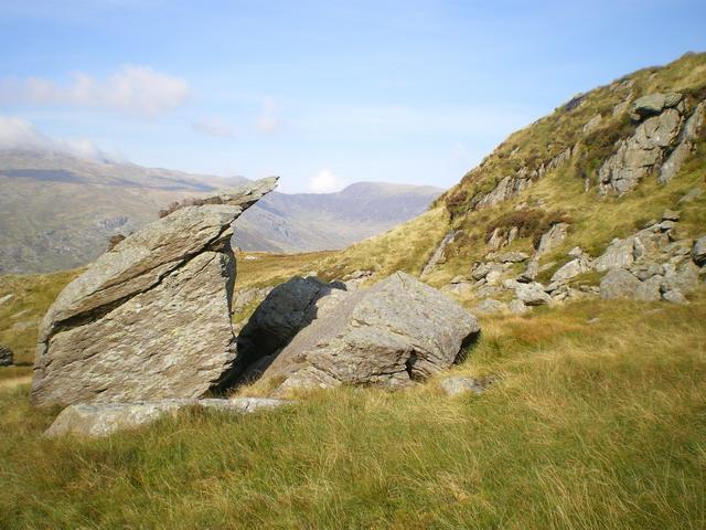 Cracked boulders below Braich y Ddeugwm