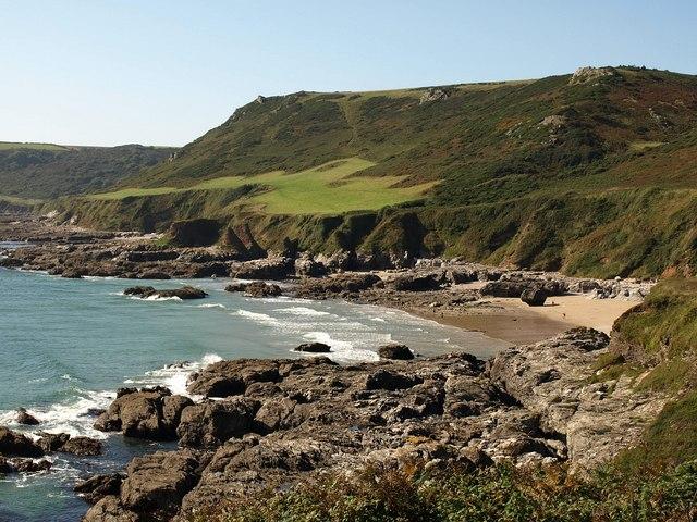 Coastal scenery at Great Mattiscombe Sand