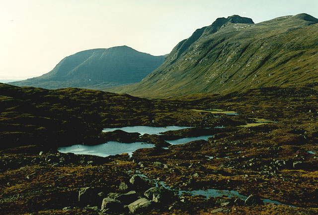 View west over Lochan a' Choire Dhuibh
