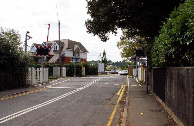 Level crossing in Wharf Lane