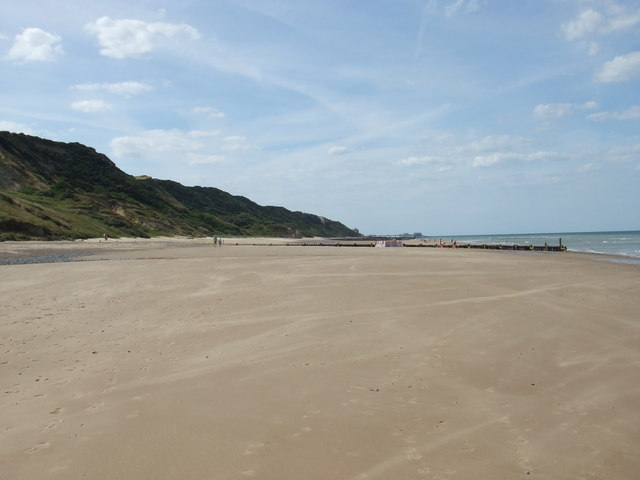 The beach between Overstrand and Cromer