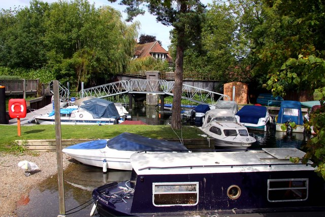 Bridges and boats in Bourne End