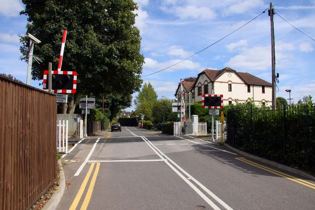 Level crossing in Wharf Lane