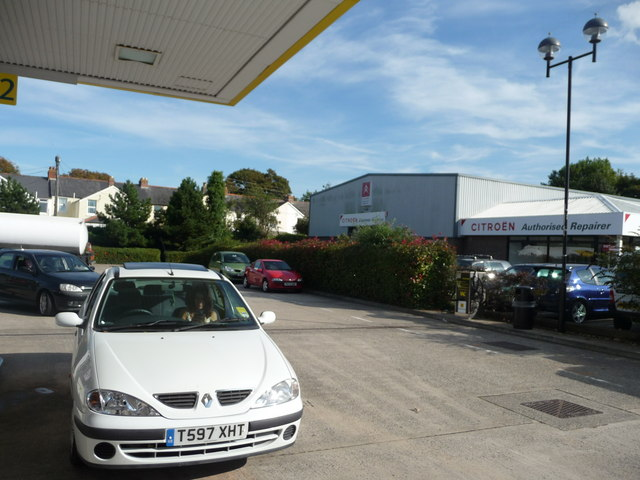 Bideford : Morrisons Garage & Citroen Garage