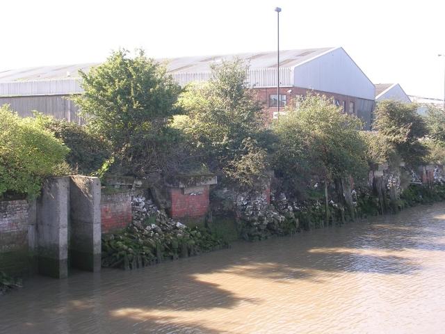 Sluice Gate - New Holland Dock