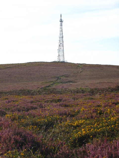 Communications mast on Carn Bean