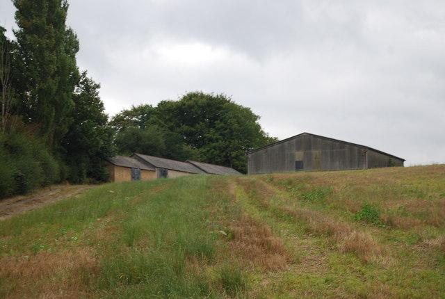 Farm buildings by the Tunbridge Wells Circular Path near Longfield Farm