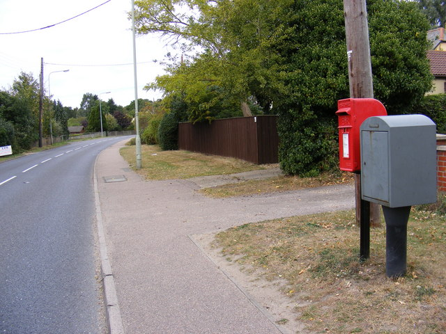 B1123 Holton Road & Holton Road Postbox