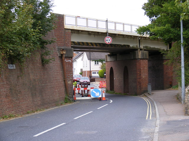 B1123 Quay Street/Holton Road Railway Bridge